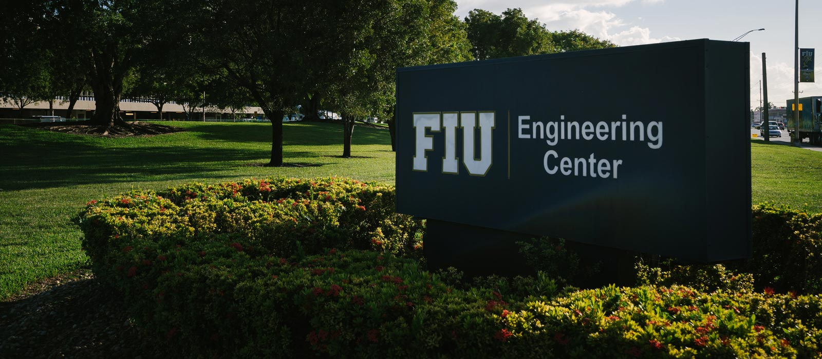 fiu-college-engineering-computing-ec-building-sign
